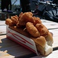 Sandwich de crevettes frites - Clam Shack