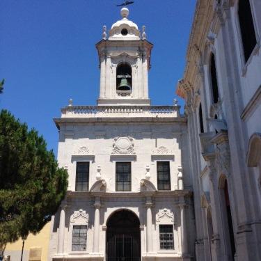 Église, Garça